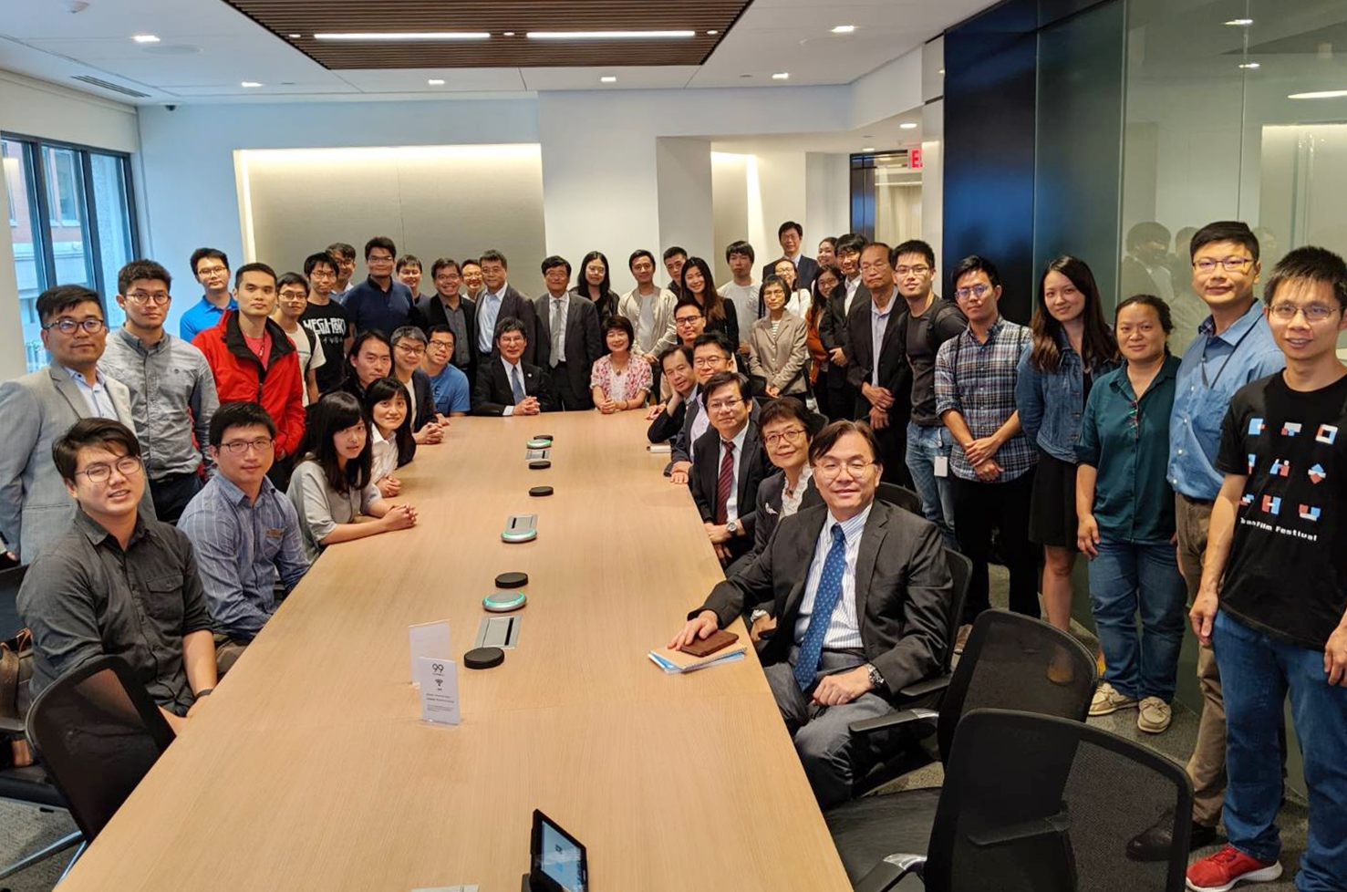 "Minister Chen organized a ""Talents Development Programs Forum"" at TECO in Boston to invite Taiwanese young professionals and students."
